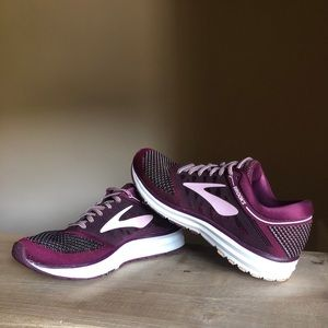 Brooks Revel Women's Running Shoes Size 7.5